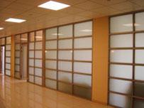 Офисные перегородки стекло+дерево