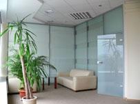 Стеклянные офисные перегородки с матовым стеклом